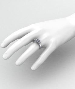 Trellis Three Diamond Ring